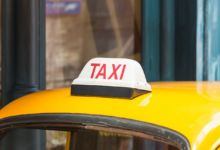 タクシーを呼んでください。と言いたい時に使える英語は?